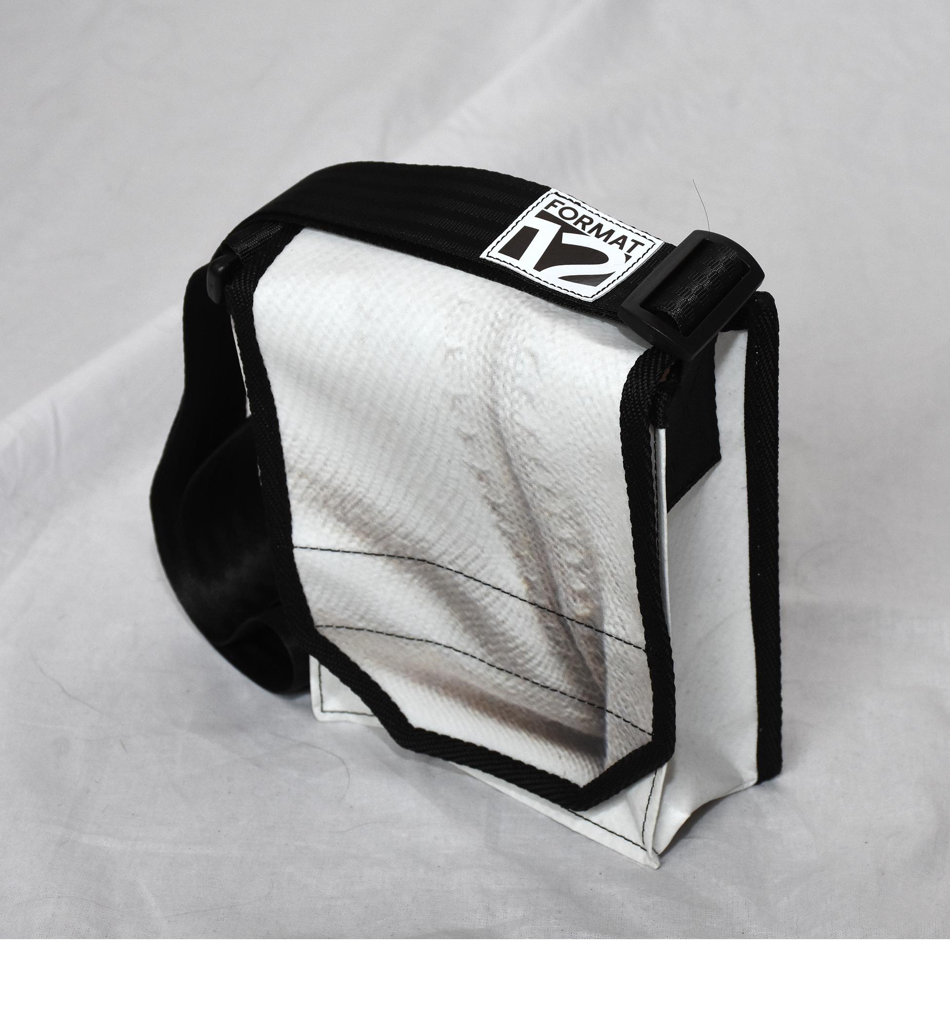 fe3c05f73333c Schweizer Handtasche – FORMAT12-shop